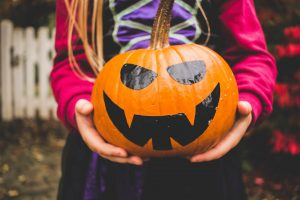 Easy and clever DIY Halloween craft ideas for kids