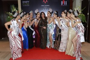 New age married women compete in beauty pageant